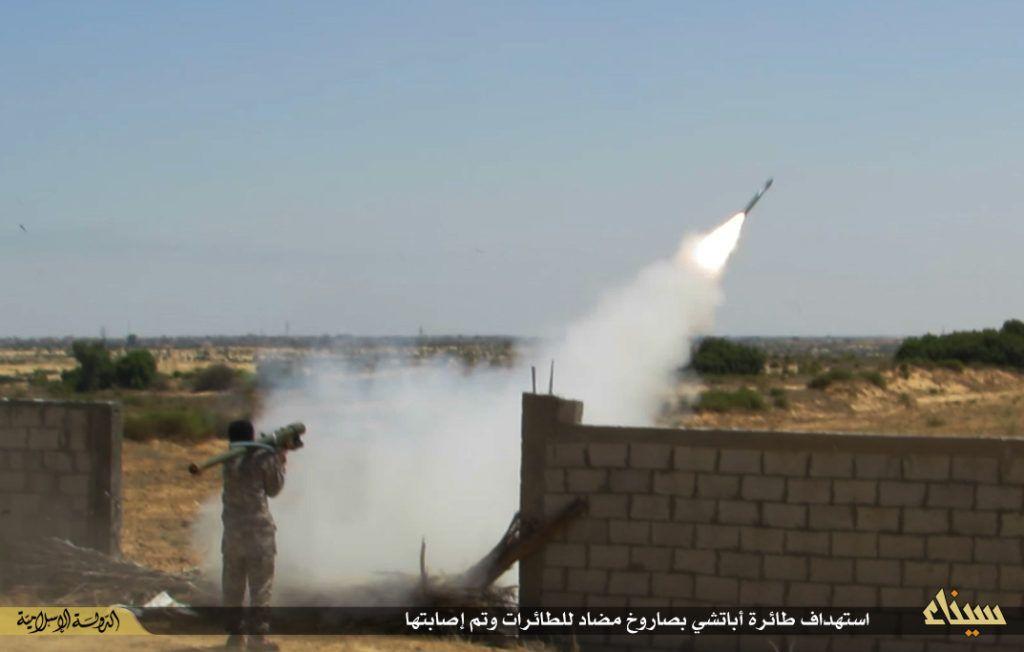 وزير الدفاع الإسرائيلي ساخرًا: نعم قصفنا أهدافًا في سيناء ولا نترك شيء دون رد