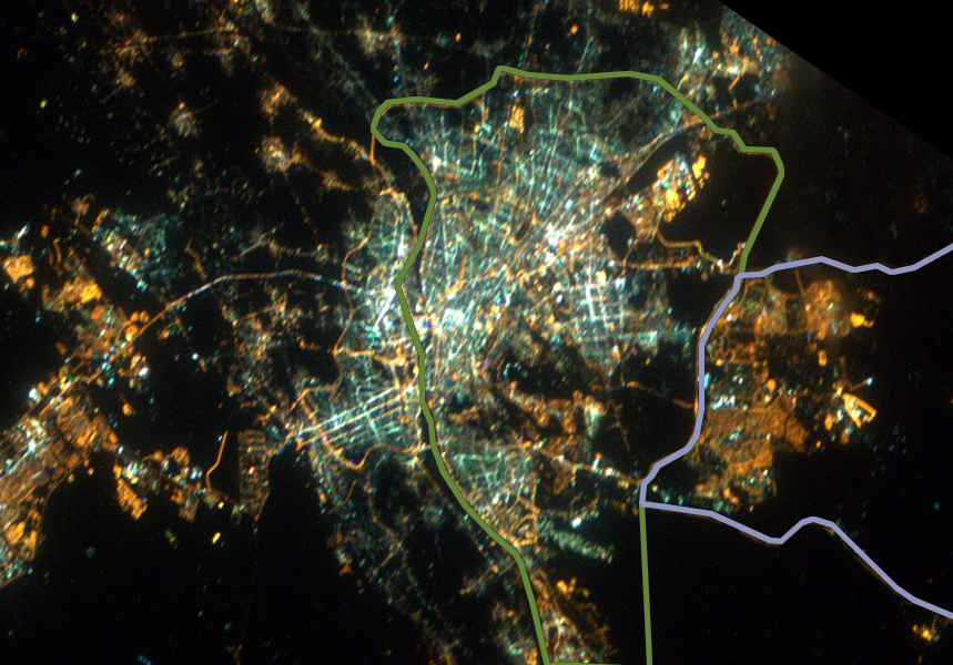 صورة من الفضاء للقاهرة ليلًا