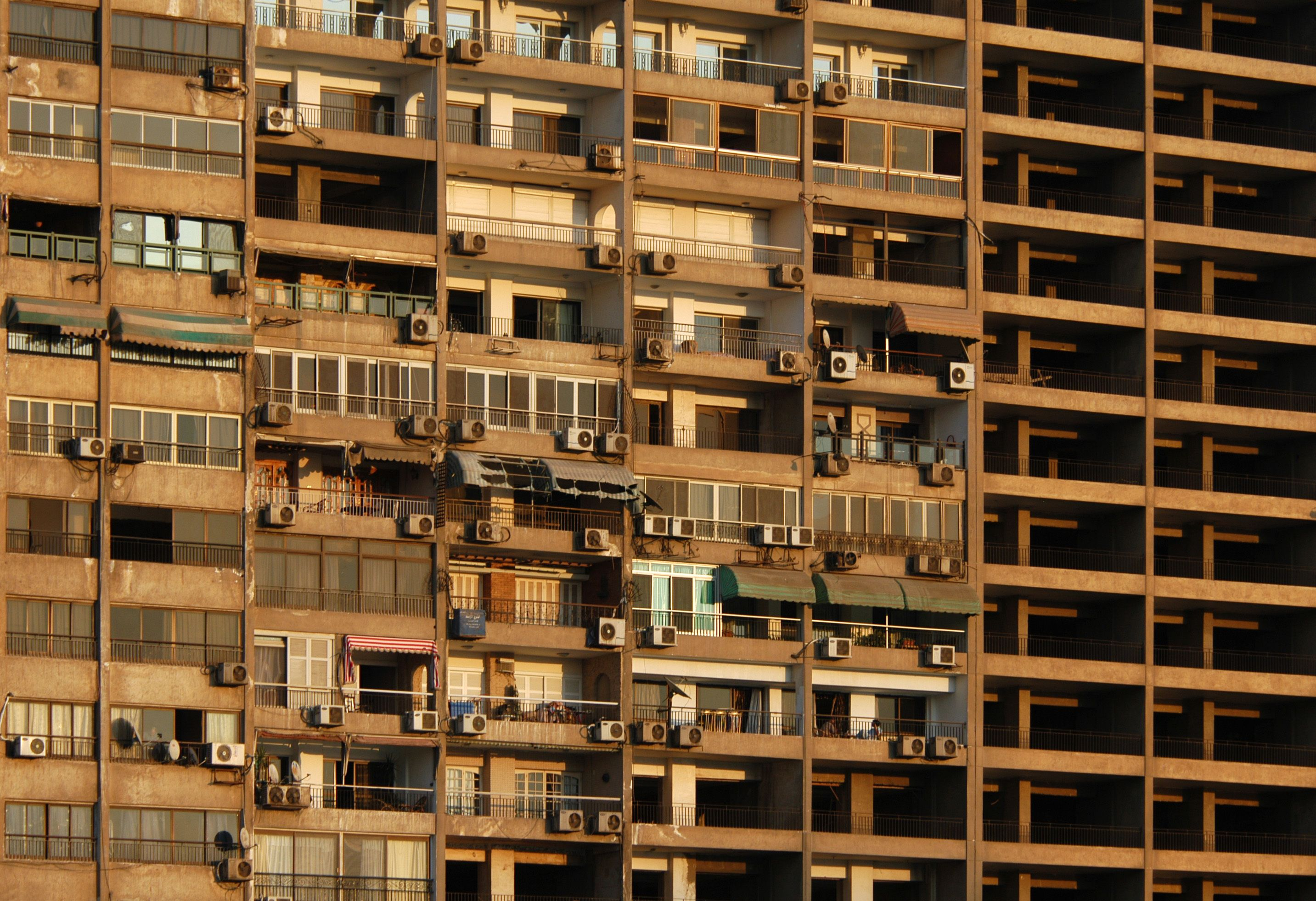 egyptian housing Housing construction was a major priority of development plans in the 1980s, but it was considered likely that it would take many years for egypt's housing deficit to be met the greatest shortage is in low-cost housing.