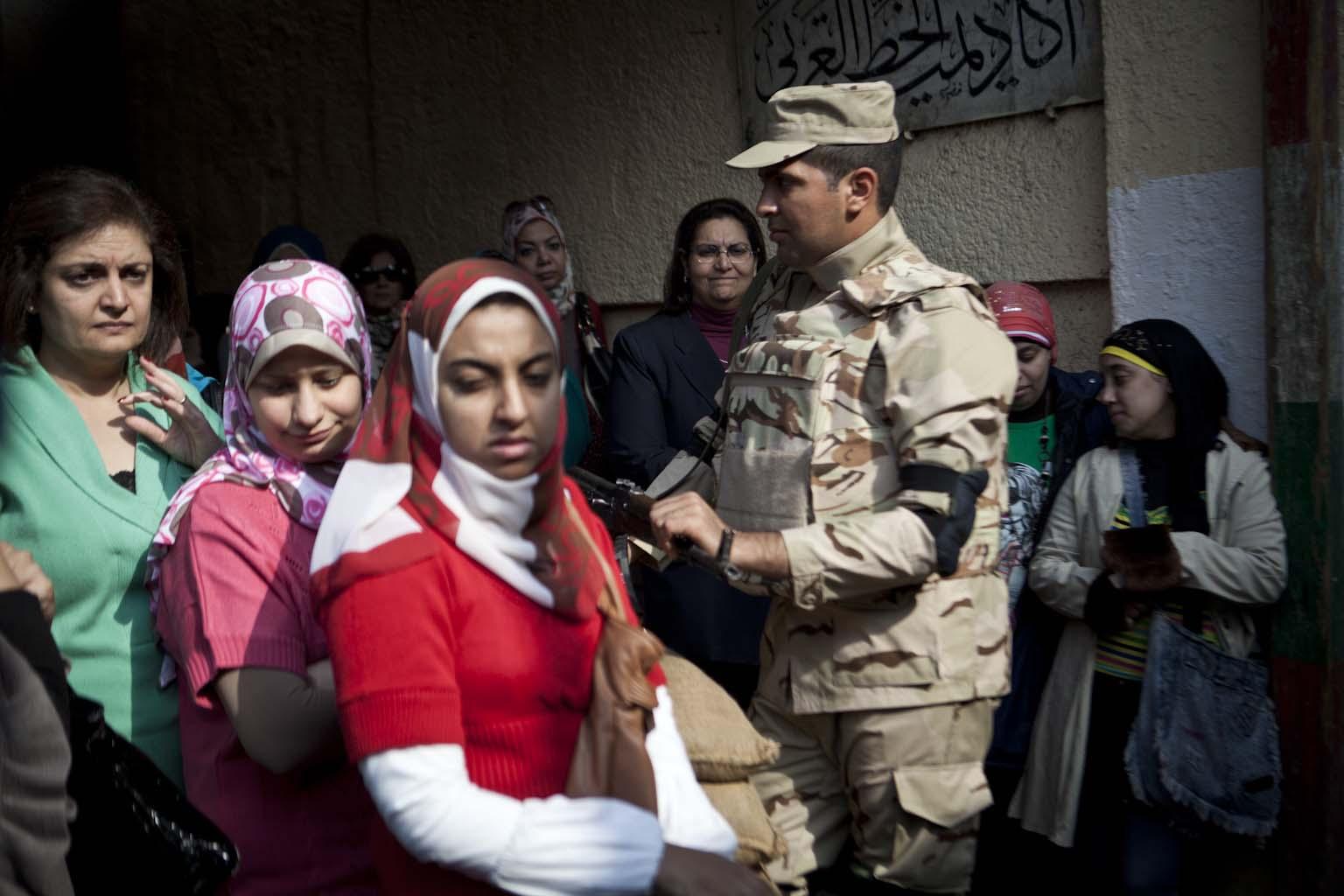 Polling station on Maadi Corniche_06