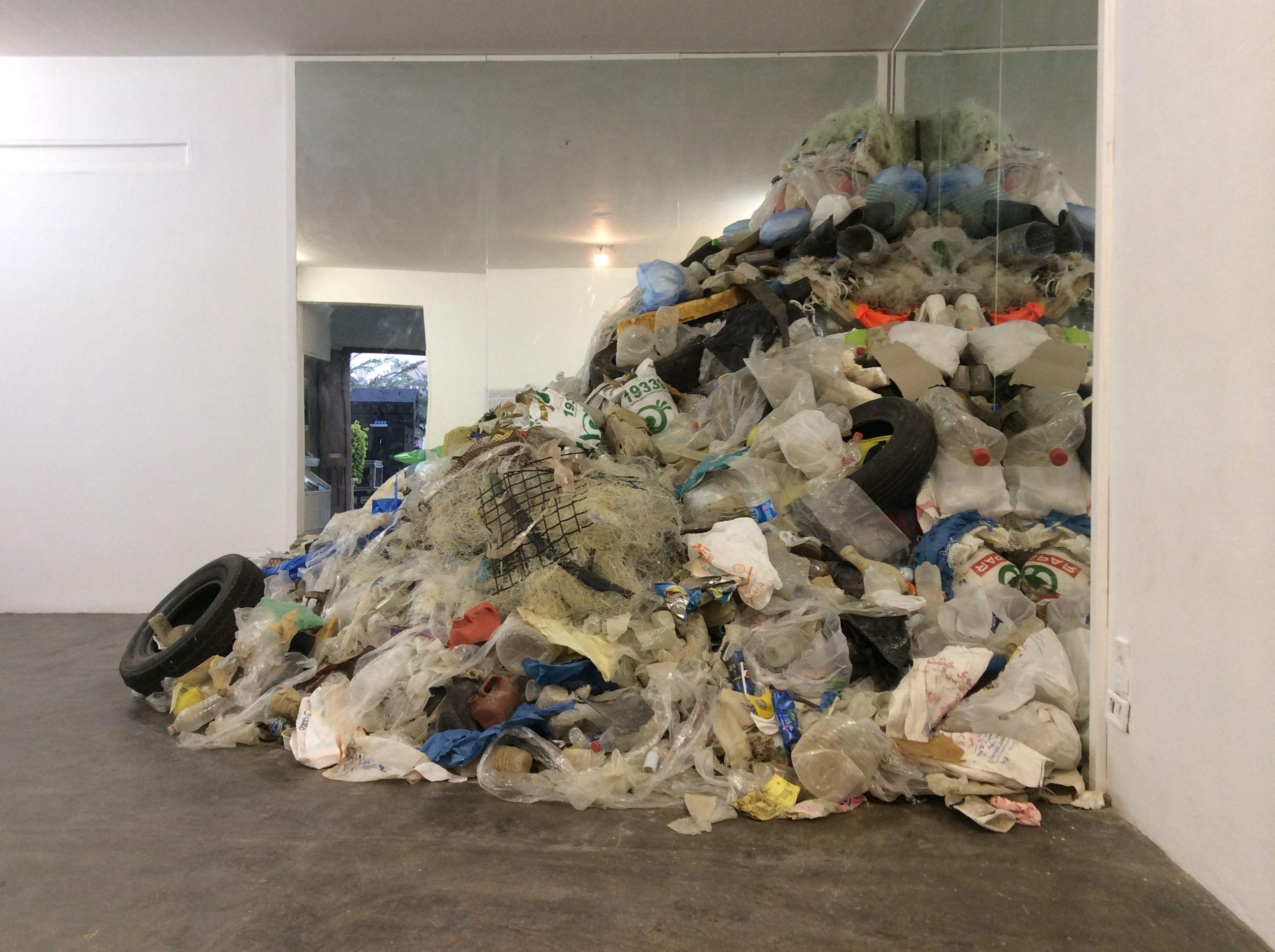 Sea-waste exhibition at Darb 1718