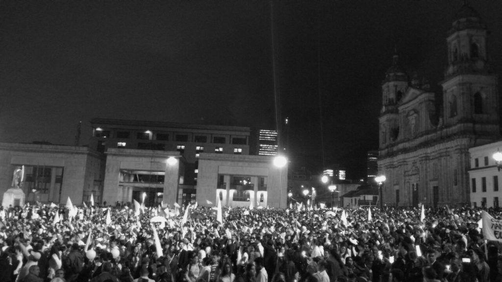 Marcha por la Paz (Plaza de Bolívar, Bogotá, 5 October 2016) Paola A. Acosta